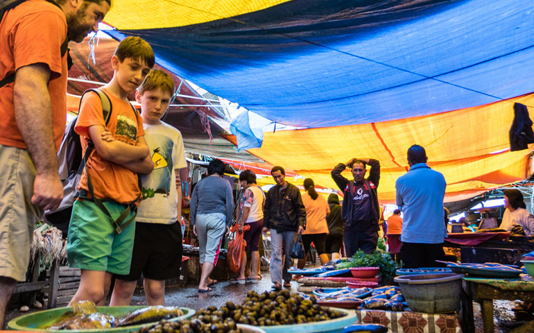 Trh v Tomohonu