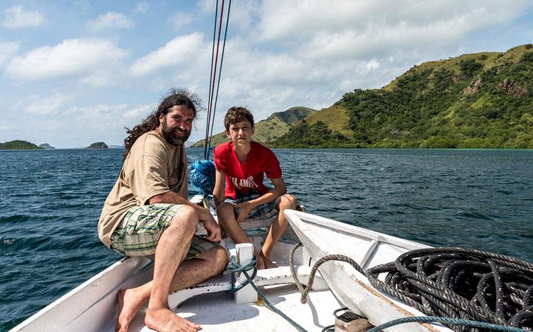 David s tátou na cestě na Komodo a Flores