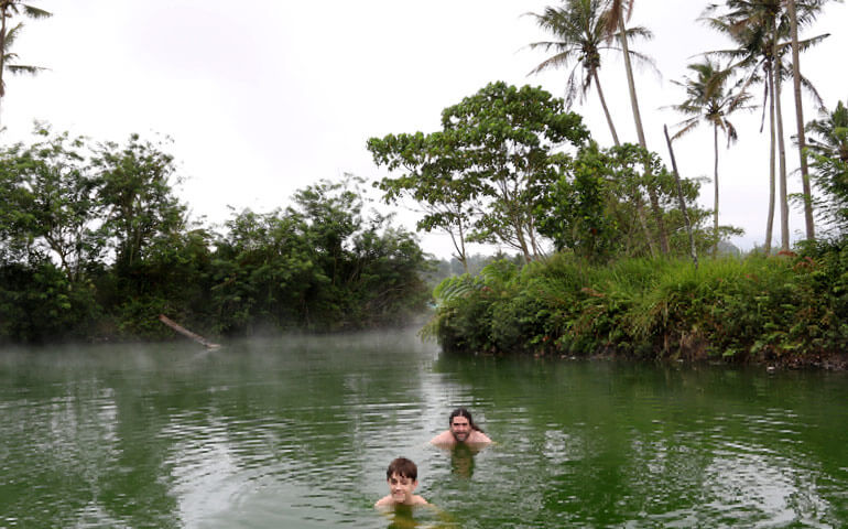 Horké prameny. I v tropickém vedru to byl zajímavý zážitek.